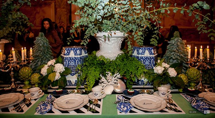 A Mesa do Chá de Natal criada por Maria Barros